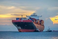 Afbeelding van http://readmt.com/images/content/sized/images/content/articles/container_ship__1320_892_60.jpg.