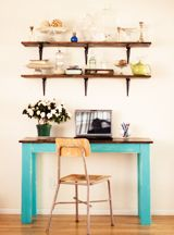 DIY wooden desk. I've been looking all over for the right writing desk! My husband can make me this one.