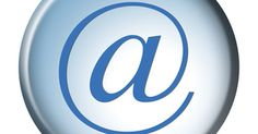 Cómo escribir un correo electrónico profesional. El correo electrónico es una forma común y conveniente para comunicarse con las empresas, colegas, empleados, empleadores, profesores y otras personas que requieren comunicación formal. El error más pequeño puede dar una impresión negativa. Existen varias formas con las que puedes mejorar y realzar tu etiqueta en el correo electrónico.