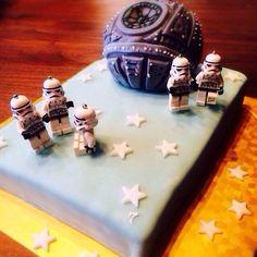 スターウォーズ デス・スターのケーキ All Lego, Lego Star Wars, Geeks, Geek Stuff, Stars, Soldiers, Geek Things, Sterne, Geek