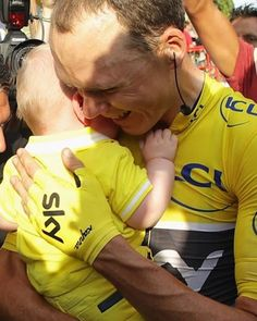 Chris Froome celebrates victory with his family after winning Tour de France 2016