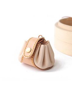 Cute Leather Womens Small Beige Change Wallet Coin Holder Change Holder for Women Coin Wallet, Coin Purses, Pouches, Sewing Ideas, Collaboration, Bucket Bag, Wallets, At Least, Coins