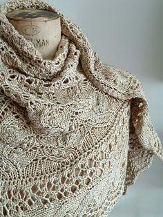 Brandy milk Juneberry triangle, pattern by Jared Flood Knit Or Crochet, Lace Knitting, Crochet Shawl, Crochet Vests, Crochet Cape, Crochet Edgings, Crochet Motif, Shawl Patterns, Knitting Patterns