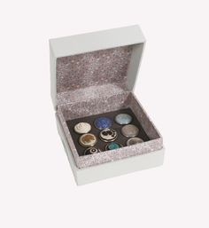 Noosa Amsterdam giftbox / cadeaudoosje met ruimte voor 9 chunks. Ook fijn om je chunks overzichtelijk op bergen en te gebruiken als chunk bewaardoos / chunk opbergdoos. Zo'n Noosa chunks opbergbox is gewoon heel handig! - NummerZestien.eu
