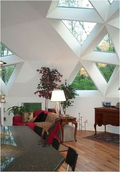 Interior view of geodesic dome triangle window - dome house Monolithic Dome Homes, Geodesic Dome Homes, Sustainable Architecture, Architecture Design, Triangle Window, Dome House, Energy Efficient Homes, Earth Homes, Round House