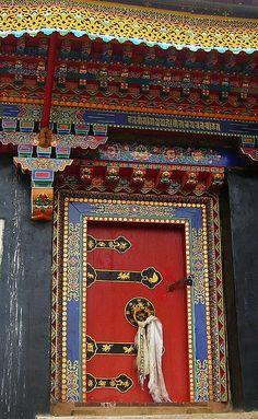 Door. Tibet