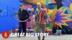 Un enorme museo di street art a cielo aperto. L'artista Okuda San Miguel ha trasformato quelli che un tempo erano dieci silos abbandonati nella pro...