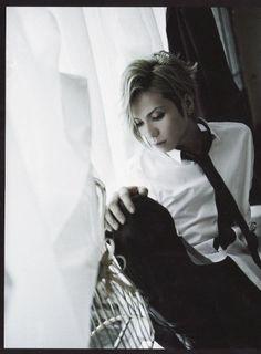 ヤス Black And White Pictures, Visual Kei, Music Bands, Cherry, Japanese, Fictional Characters, Shiro, Entertainment, Rock