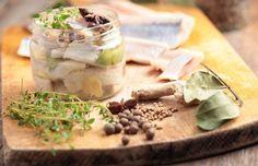 Romanian Food, Romanian Recipes, Omega 3, Pickles, Camembert Cheese, Cucumber, Garlic, Picnic, Dairy