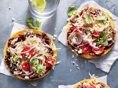 These Superfast Black Bean Tostadas with Cabbage Slaw Come Together in Just 20 Minutes Recipe - Cooking Light Mexican Food Recipes, Vegetarian Recipes, Healthy Recipes, Healthy Dinners, Clean Meals, Bean Recipes, Mexican Dishes, Copycat Recipes, Easy Summer Meals
