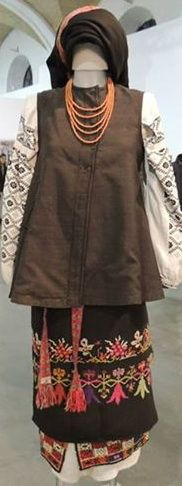 Комплекс жіночого вбрання, Полтавщина, Україна.