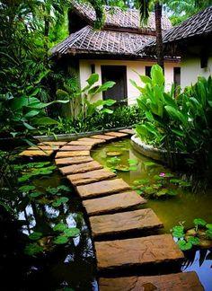 Zen Garden Walkway- Not that I could ever do this here in Michigan....