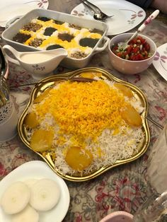 Iranian foods Kashk va bademjan Qormeh sabzi and eggplant Iranian Cuisine, Iranian Food, Iran Tourism, Pav Recipe, Persian Culture, I Want To Eat, Culinary Arts, Diy Table, Eggplant
