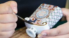 Arita conçoit un flacon Mitsouko porte-bonheur pour Guerlain