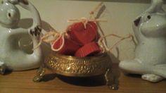 Kırmızı, kalpli kokulu butik sabunlar