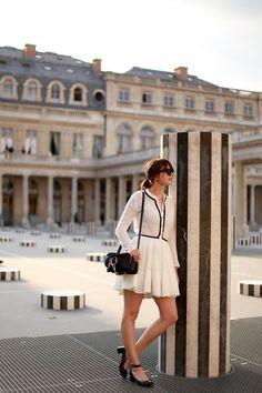 the brunette robe maje blanche et noire