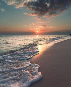 How to Take Good Beach Photos Sunset Wallpaper, Nature Wallpaper, Travel Wallpaper, Aesthetic Backgrounds, Aesthetic Wallpapers, Beautiful Sunset, Beautiful Beaches, Beautiful Scenery, Nature Pictures