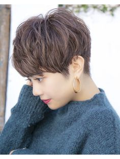 Tomboy Hairstyles, Cool Short Hairstyles, Undercut Hairstyles, Pixie Haircut, Hairstyles Haircuts, Pretty Hairstyles, Asian Short Hair, Short Hair Cuts, Short Hair Styles