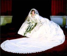 The beautiful Princess Diana in her beautiful wedding dress..... #elizabethemanuel