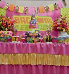 Una preciosa mesa de dulces para una fiesta años 80 / A lovely dessert table for an 80s party