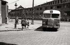 Ilyen is volt Budapest - évek, Orczy út a Kőris utcánál Hungary, Budapest, Vintage Photos, Arch, History, Vehicles, Longbow, Historia, Car
