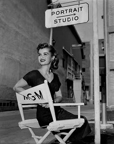 Class act Debbie Reynolds on the MGM movie set, 1950's (you'll never see me post a picture of her ex Eddie Fisher on here. What a puny little slime ball!)