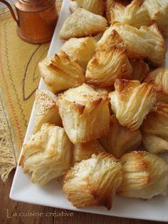 Easy Biscuit Recipe, Bread Dough Recipe, Bosnian Recipes, Croatian Recipes, Bakery Recipes, Cooking Recipes, Kiflice Recipe, Breakfast Recipes, Dessert Recipes