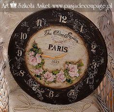 decoupage zegar w starym stylu