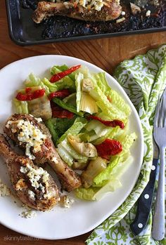 Lemon Feta Chicken with Oregano – this is great with any chicken on the bone, I love dark meat but this would also work for chicken breasts! Points+: 6 pts • Calories: 195 (2 drumsticks)