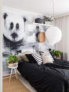 makuuhuoneen seinälle maalattu panda on Annican käsialaa. Pandaseinästä Annica tunnetaan erityisesti sosiaalisessa mediassa.