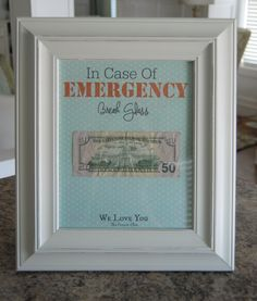 EASY and FUN DIY Graduation Gift Idea - such a great way to give some cash to your graduate!
