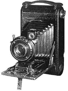 1920 CAMERA... Makes me think of my Grandma and Grandpa's collection.