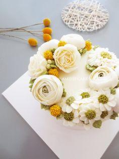 """6월의 케이크 """"골든볼&소국"""" 플라워케이크_AM1122 CAKE : 네이버 블로그"""