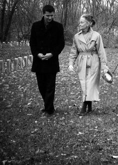 Lorraine Warren and Ryan Buell from Paranormal State Haunted House Stories, Haunted Houses, Ghost Pictures, Ghost Pics, Ghost Images, Hunting Shows, Haunted Places, Scary Places, Creepy Things