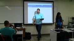 Estudiantes del nivel intermedio trabajan con semaforo en arduino