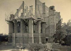 Construcción de la Catedral de La Plata, sobre calle 15 (año 1917)