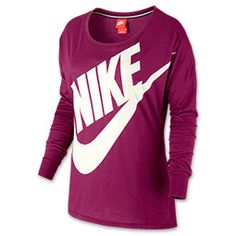 The perfect long-sleeve tee pulls double duty as a cozy warm-up piece as well as a a cute tee for casual days. Get this best of both worlds style in the Nike Signal Long Sleeve T-Shirt. Laid-back without looking sloppy, the Signal Tee has a relaxed fit and worn-in feel for comfort. Polyester, cotton and rayon are blended together for an ultra-soft feel, while screen-printing at the front adds recognizable sporty good looks.  The Nike Signal Long Sleeve T-Shirt: Easygoing styl...