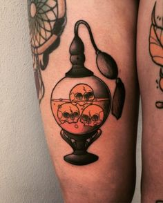 Halloween Tattoo designs considered as attractive tattoo. Ink your self with Festive tattoo Pumpkin Tattoos and many more on halloween day. Tattoo Drawings, Body Art Tattoos, New Tattoos, Tatoos, Tatto Skull, Mononoke, Spooky Tattoos, Cute Halloween Tattoos, Halloween Tattoo Flash