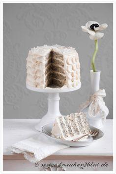 ... white poppy daisy cake ...