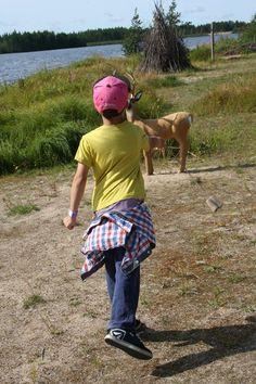 Markkinoilla oli mahdollisuus kokeilla erilaisia metsästysmenetelmiä kuten bolan ja suopungin heittoa. Peura ei juossut metsästäjää karkuun. Oulu (Finland)