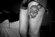 I know everyone has this day-of-the-dead-skulls-as-tats fixation, but...I kind of do too :P