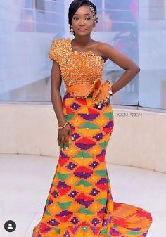 #kente #kenteclothing #ghanaclothing #fashioninghana #weddingcoupleofghana #ghanawedding #weddingoutfits African Bridal Dress, African Wear Dresses, African Fashion Ankara, Latest African Fashion Dresses, African Print Fashion, African Attire, Ethnic Fashion, Ghana Wedding Dress, Kente Dress