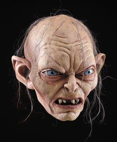 Deluxe Collector's movie quality, full over the head latex mask that is similar to the look of Smeagol in The Lord of the Rings film.