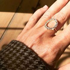 Diamond ring Silver Rings, Wedding Rings, Engagement Rings, Jewels, Diamond, Diy Jewelry Making, Jewelry Designer, Rings For Engagement, Jewelery