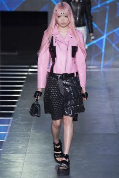 Fashion Shows: Fashion Week, Runway, Designer Collections - Vogue