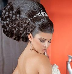 A smaller version of this would be nice as a formal up do.