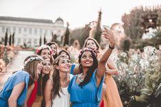 Les Bandits Graduation Photography, Bride Photography, Party Photos, Wedding Photos, Shooting Photo Amis, Group Photo Poses, Friendship Photoshoot, Friendship Photography, Wedding Bridesmaids