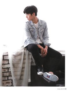박보검 < 텐아시아 2015년 6월호 > 검갤 스캔본 [ 출처 : 디시 박보검갤러리 ]