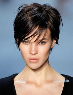 The pixie haircut is still on trend and getting one is the perfect way to stand out from the crowd. Long pixie hairstyles are a beautiful way to wear short. Short Thin Hair, Short Hair Cuts For Women, Short Hairstyles For Women, Trendy Hairstyles, Short Hair Styles, Beautiful Hairstyles, Pictures Of Short Haircuts, Short Pixie Haircuts, Hairstyles Haircuts
