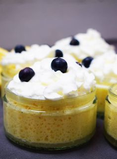 Slimming Healthy Lemon Mousse - Recipe - Slimming World - Pudding - A delicious, light and fluffy healthy lemon mousse. Just half a syn each on Slimming World! Light Desserts, Sweet Desserts, Delicious Desserts, Healthier Desserts, Easy Desserts, Dessert Recipes, Yummy Food, Tasty, Slimming World Sweets